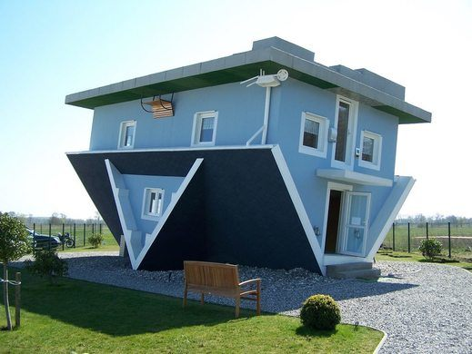Upside Down House Trassenheide 1