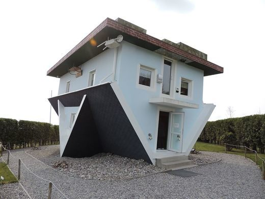 Upside-Down house - Germania